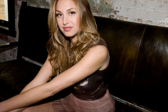 051810_whitney_port_544_WhitneyatRestaurant