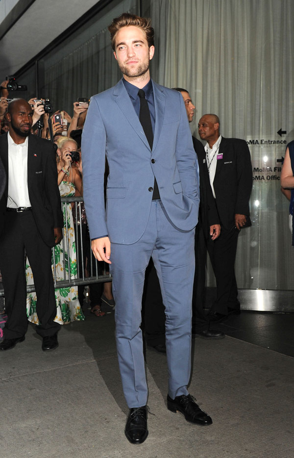 Robert Pattinson Moving London