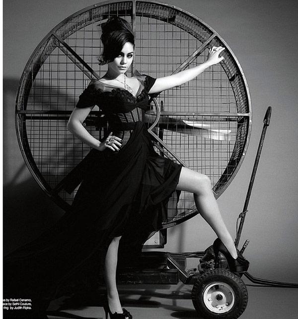 Vanessa Hudgens sexy pic