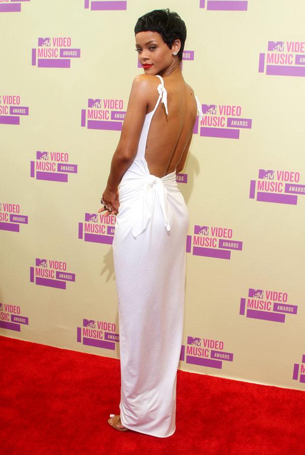 Rihanna's Tattoo — RiRi Wants A 'Cute & Sexy' Back Tat ...