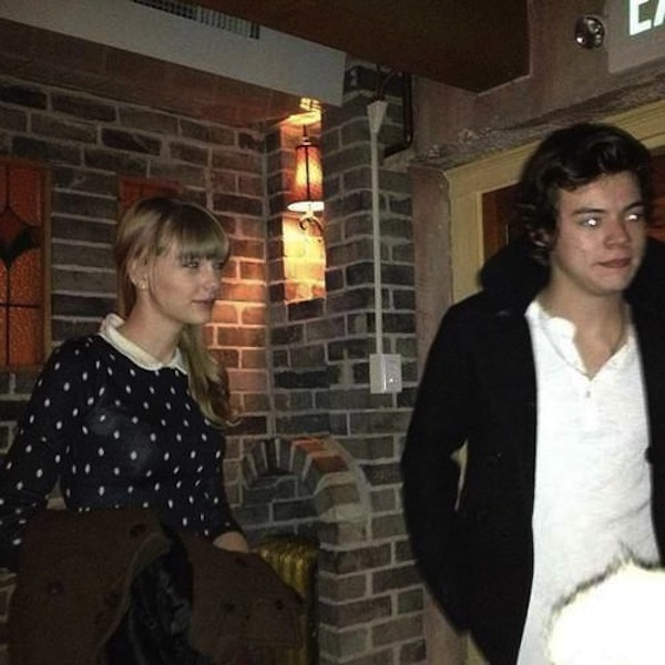 Harry Styles Taylor Swift Ski Trip Hot Tub Holding Hands In Utah Hollywood Life