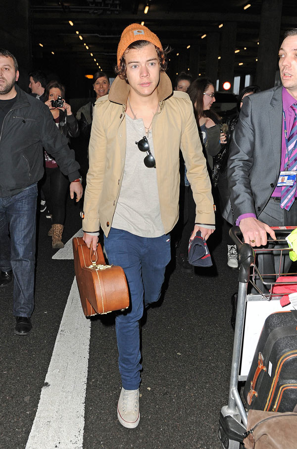 Harry Styles Airport