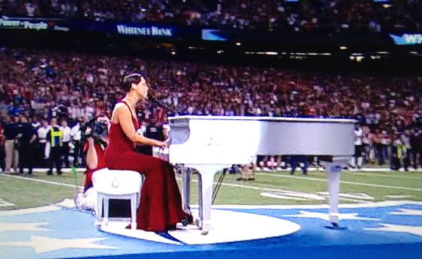 Video Alicia Keys Super Bowl National Anthem Performance Live On Piano Hollywood Life