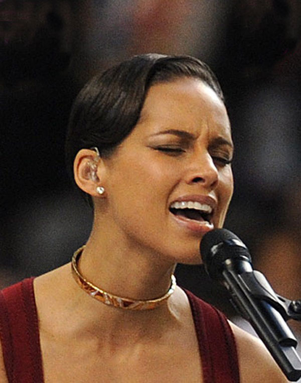 Alicia Keys Hair Super Bowl 2013