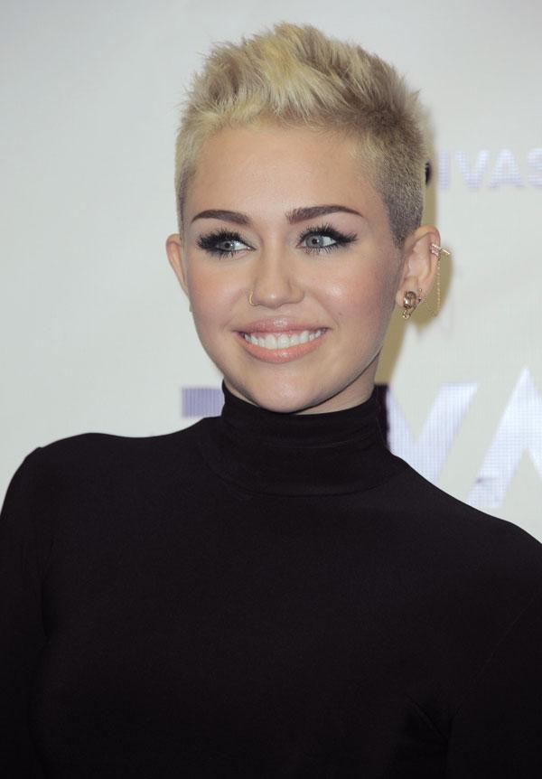 Miley Cyrus Short Hair Says She Ll Never Wear It Long Again Hollywood Life