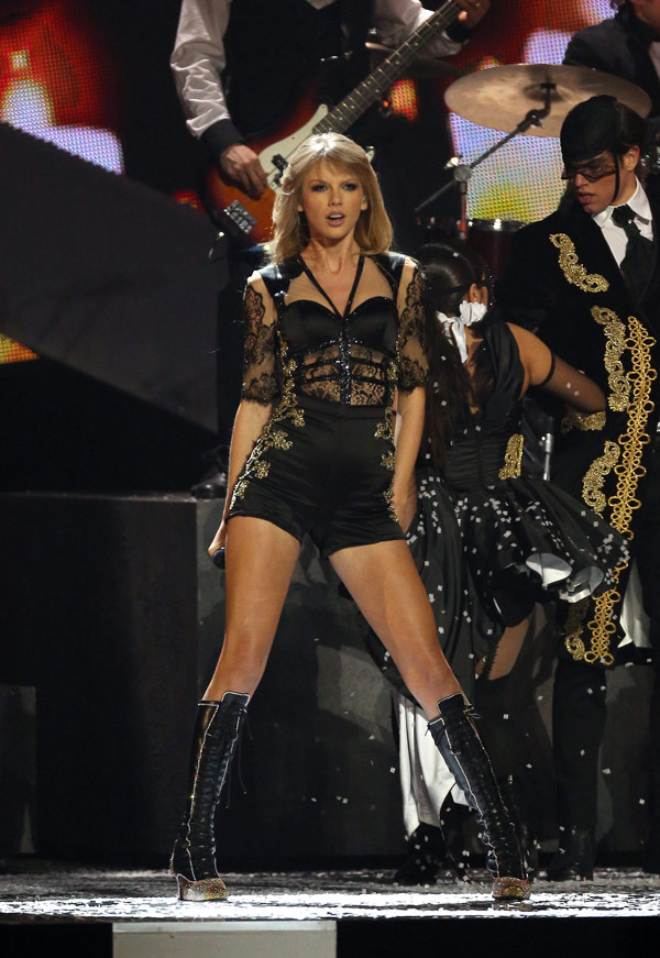 Taylor Swift Birthday Pics