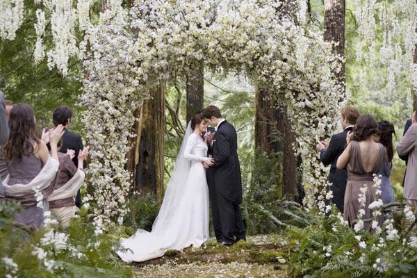 Kristen Stewart's Wedding To Robert Pattinson — 'Breaking ...