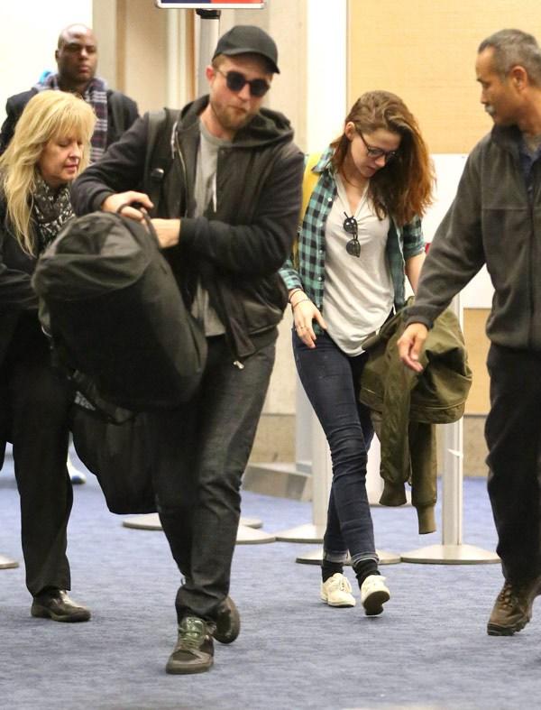 Robert Pattinson Kristen Stewart Stay Away