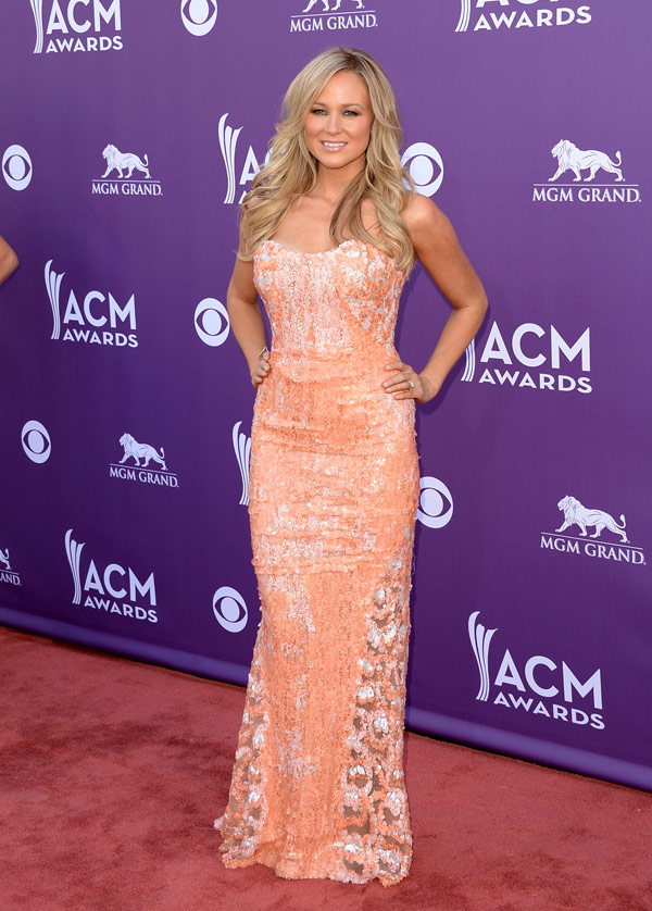 ACM Awards Red Carpet Best Dressed: Taylor Swift, Carried