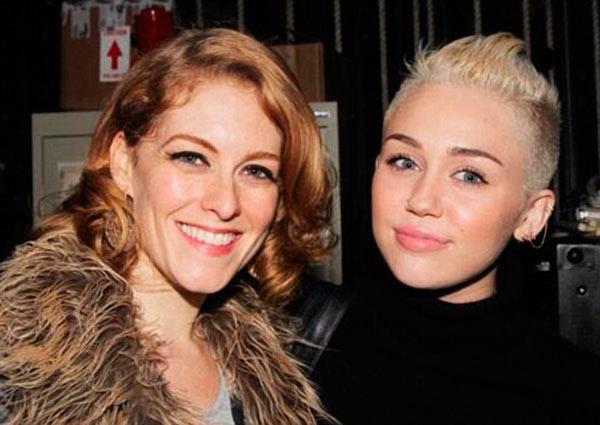 Miley Cyrus Tweets Billy Ray Cyrus
