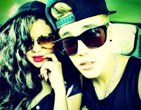 Justin Bieber With Selena Gomez