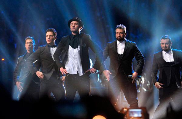 NSYNC Reunion (Medley) VMA 2013 - YouTube