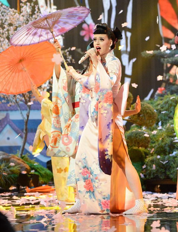 Katy Perry Performance AMAs