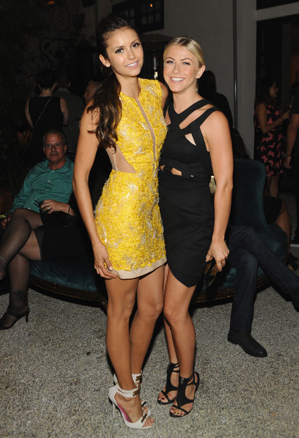 Pics Nina Dobrev S Thanksgiving Celebrates With Julianne Hough Hollywood Life