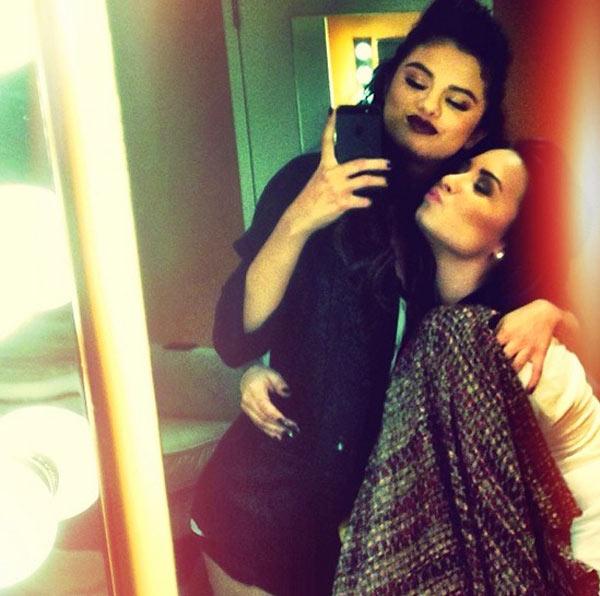 Demi Lovato Selena Gomez Pic
