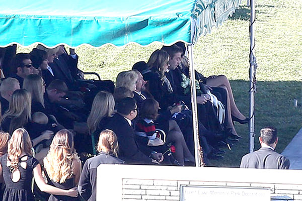 Pic Paul Walker S Funeral Actor Laid To Rest During Emotional Ceremony Hollywood Life