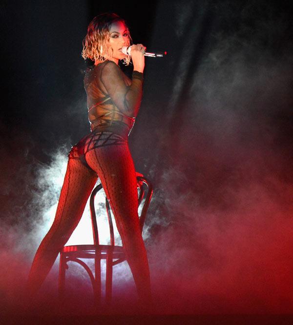 Beyonce Grammys Performance Slammed