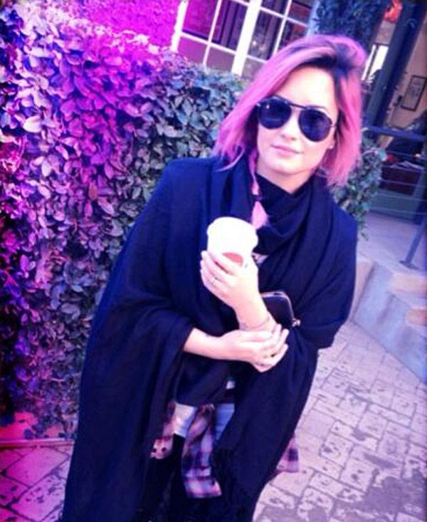 Demi Lovato Wilmer Valderrama Engaged
