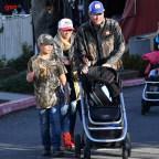 Gwen Stefani and Blake Shelton take the kids out on a road trip to Lake Arrowhead