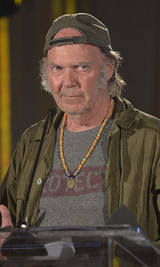 Neil Young Bio