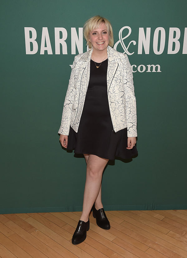Lena Dunham Apologizes Sexual Abuse Controversy