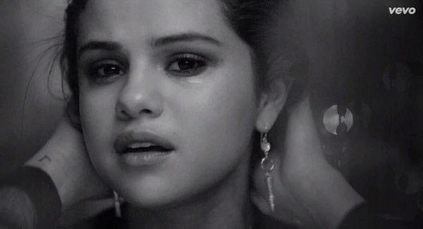 Selena Gomez Performing AMAs