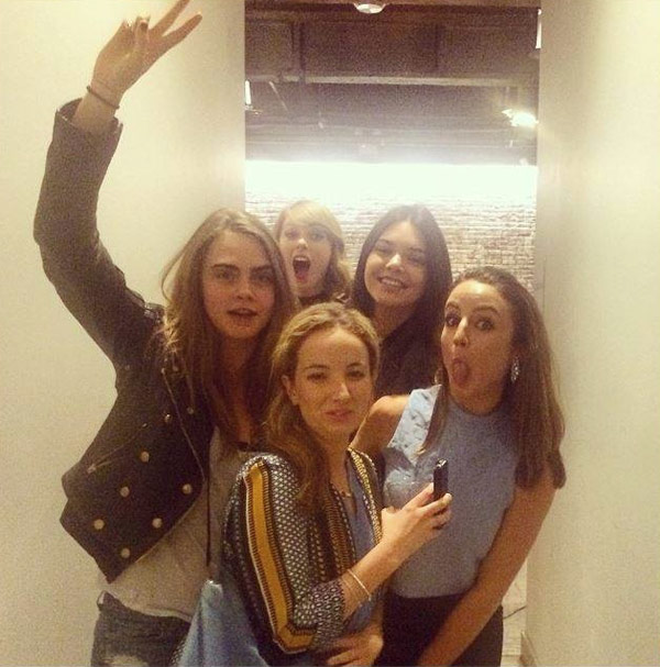 Pic Taylor Swift Kendall Jenner Party Together Awkward For Harry Styles Ex Hollywood Life