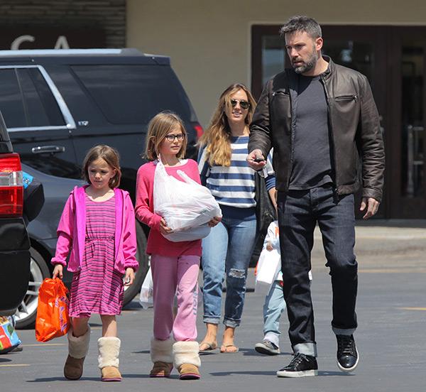 Ben Affleck Nanny Suing Jennifer Garner