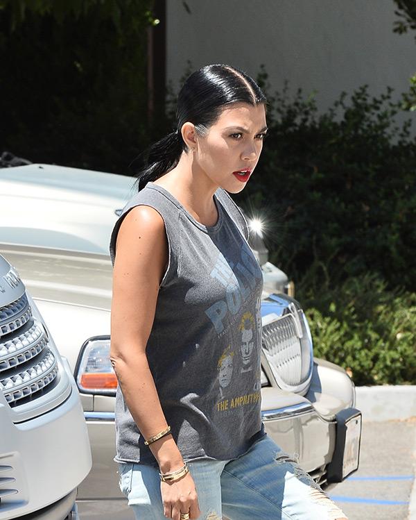 kourtney kardashian grey hair