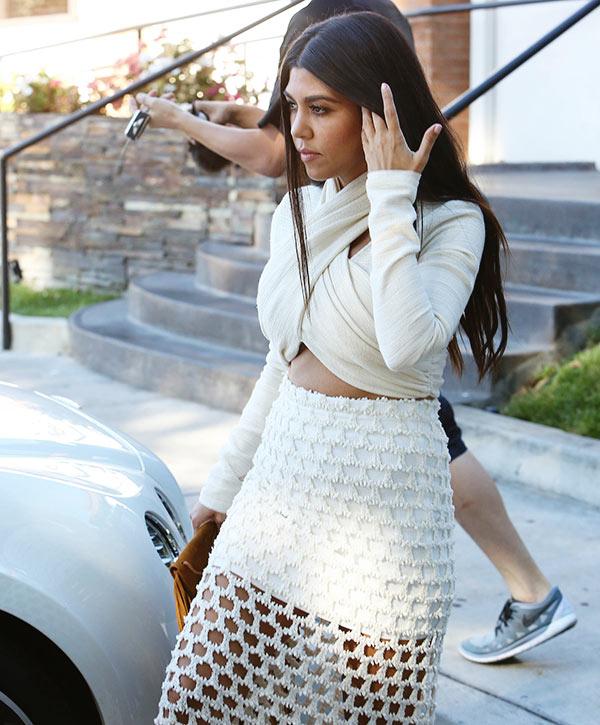 Kourtney Kardashian Scott Disick PDA Pics