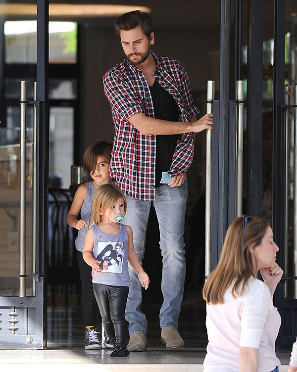 Scott Disick Kids Rosti Cafe Calabasas
