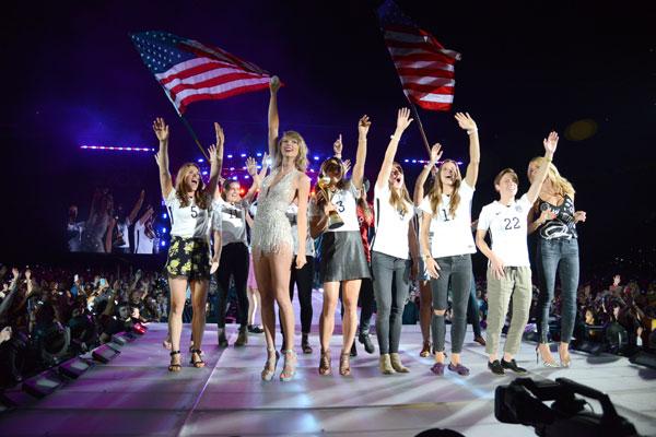 Taylor Swift US Women's Soccer Team