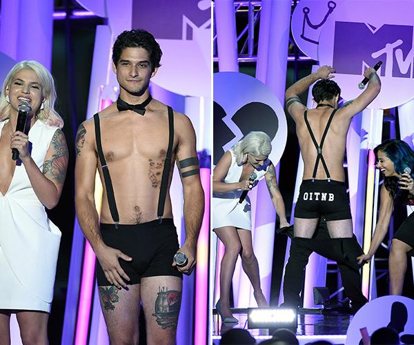 Tyler Posey Strips MTV Fandom Awards