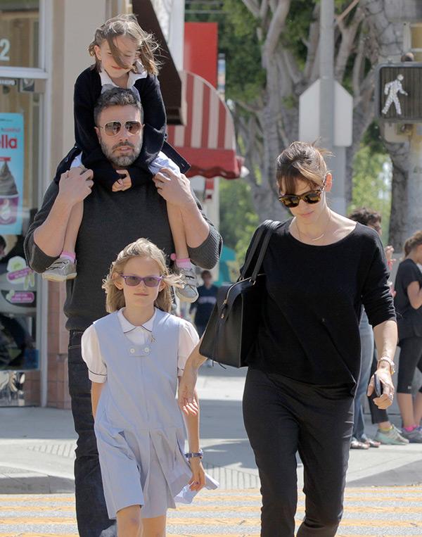 Ben Affleck Giving Jennifer Garner Everything