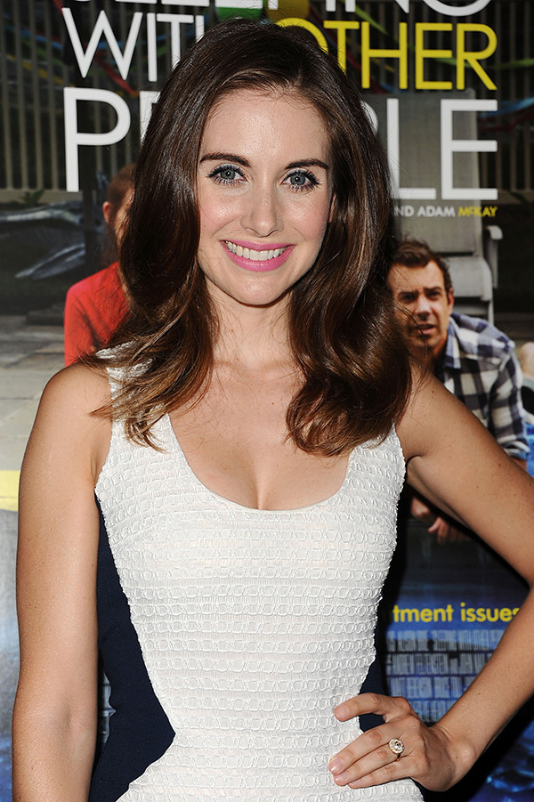 alison brie engagement ring