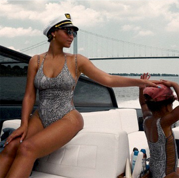 blue ivy beyonce matching swimsuits