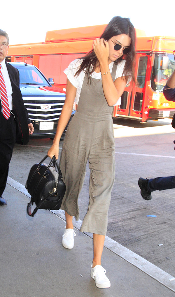 kendall jenner overalls airport outfit