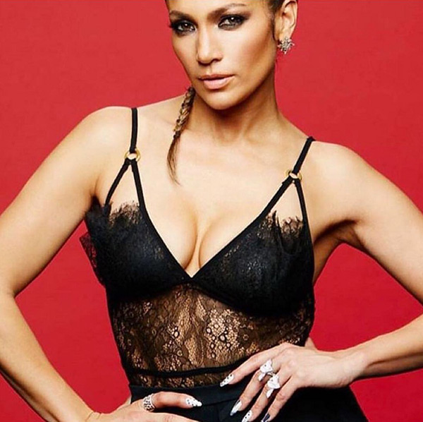 jennifer lopez lace top