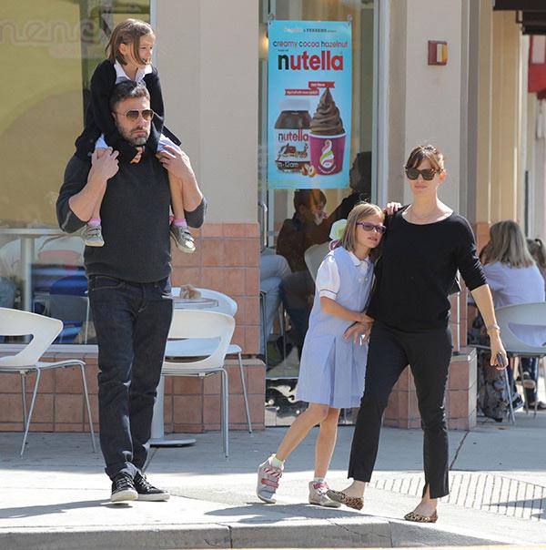 Ben Affleck Jennifer Garner Family Pics