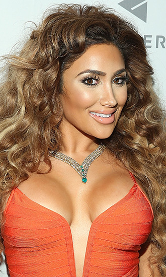 Nikki Mudarris Celebrity Profile