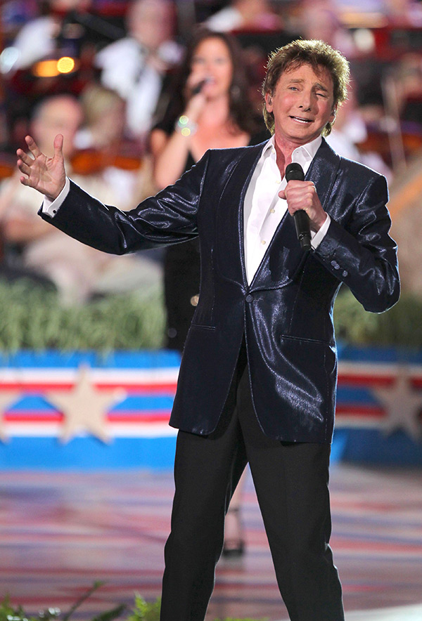 Barry Manilow Rushed Hospital