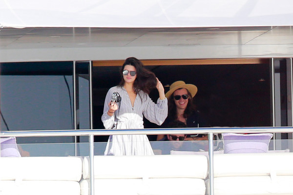 Harry Styles Calls Kendall Jenner