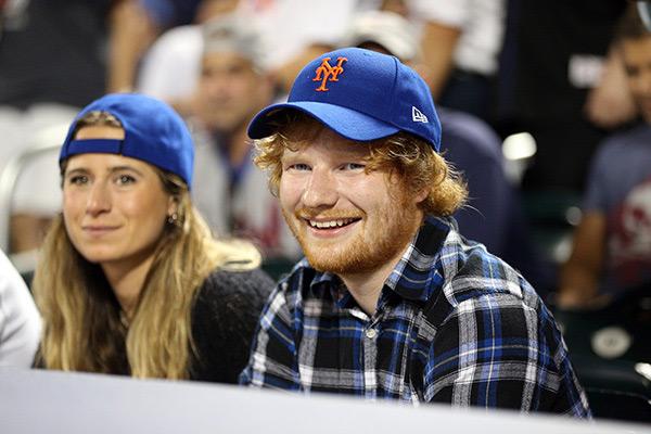 Ed Sheeran Kisses Girlfriend