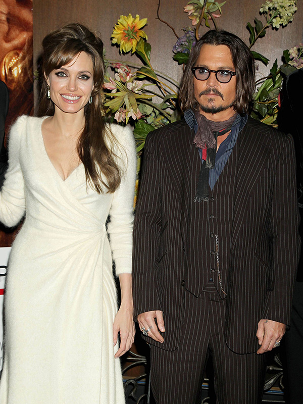 Angelina Jolie Consoled By Johnny Depp After Divorce From Brad Pitt Hollywood Life