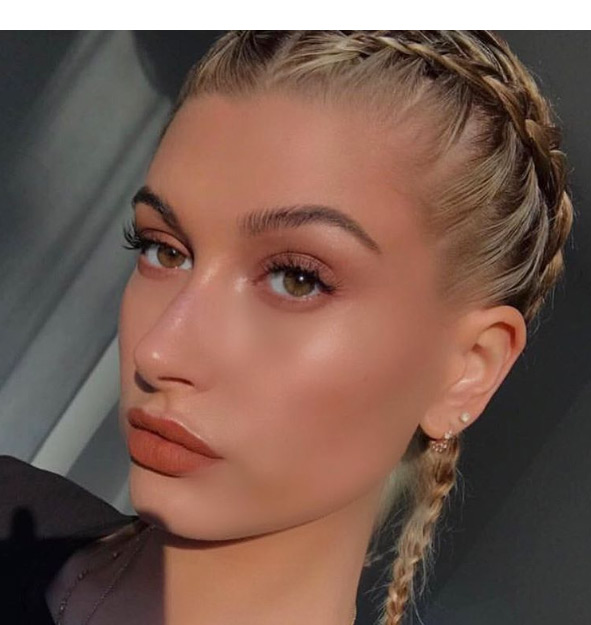 Hailey Baldwin S Karl Lagerfeld Paris Makeup Copy Her Latest Look Hollywood Life