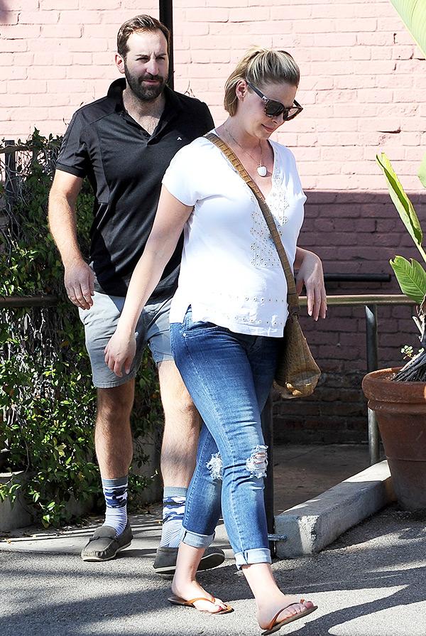 Katherine Heigl Baby Bump