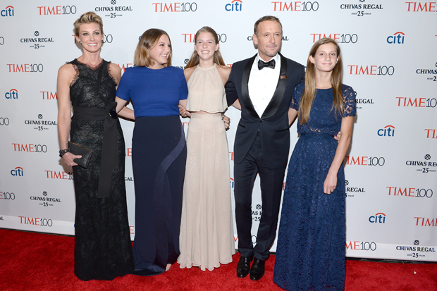 Faith Hill & Tim McGraw with their kids