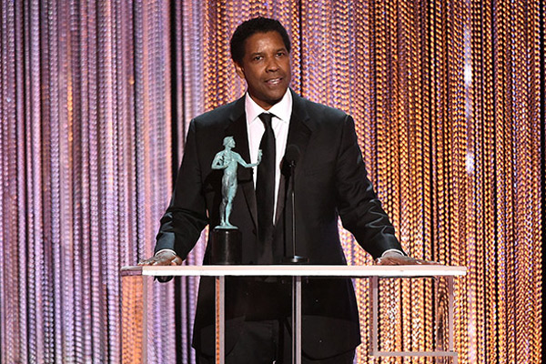 Denzel Washington Wins SAG Award