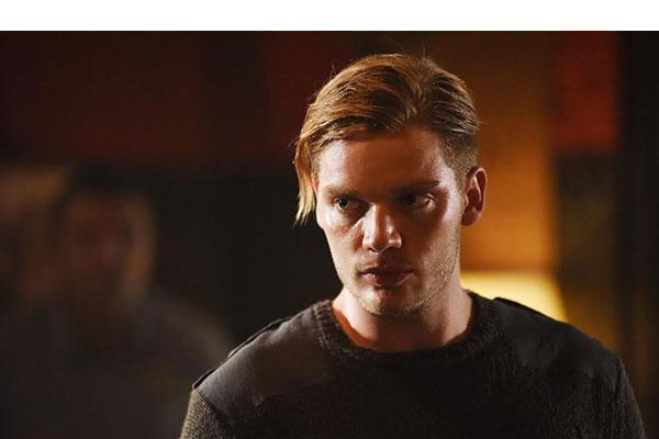 Shadowhunters Jace Saves Alec