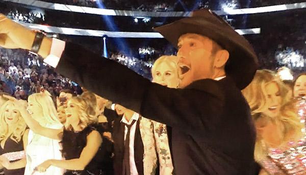 Tim McGraw Reacts Backstreet Boys ACMs